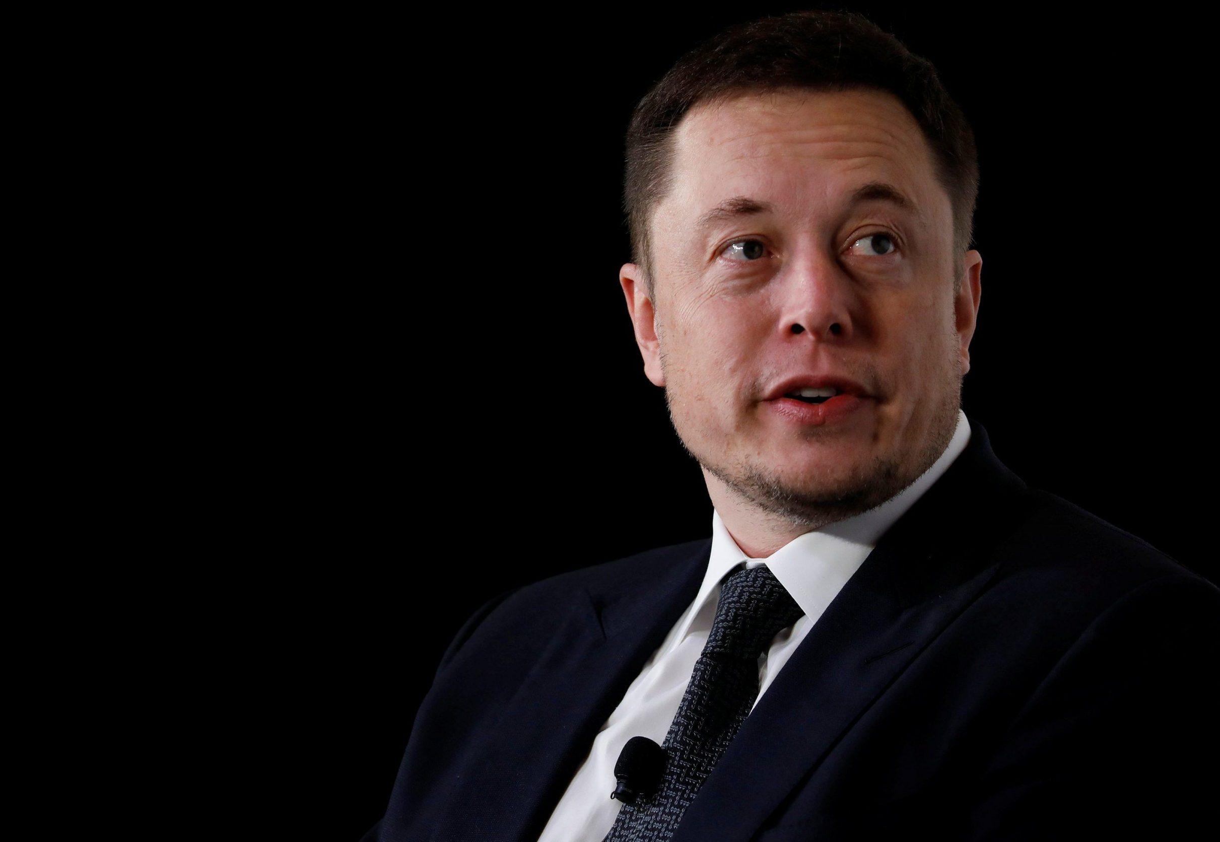 МАСК-ШОУ: Tesla переманивает топ-менеджеров из Snap, Apple и Amazon