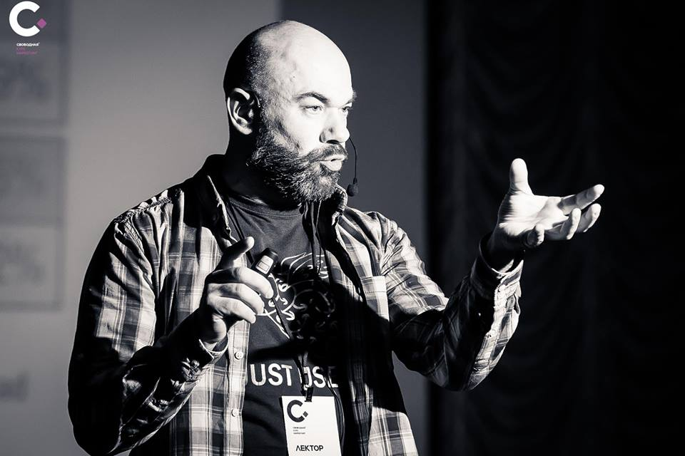 МОЗГОВОЙ ШТОРМ: Виктор Комаренко о том, как SMS, многозадачность и open space делают нам нервы