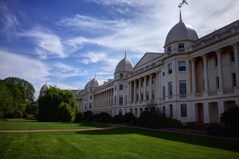 В ТЕНИ СЛАВЫ: в London Business School предлагают стать тенью лидеров
