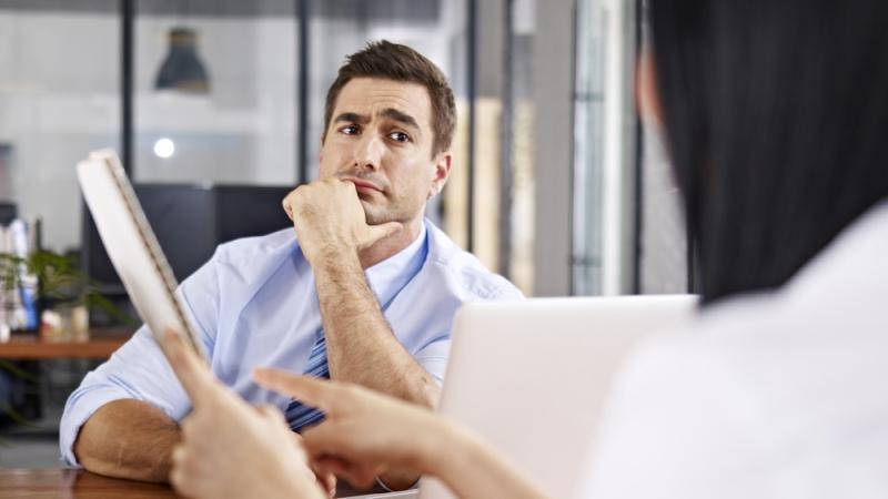 СОГЛАСНЫЕ БЕЗ ГЛАСНЫХ: как не соглашаться, но не прослыть скептиком в команде
