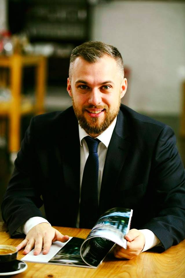 КЛЕЙ ПОНЕДЕЛЬНИКА: Роман Бондарь из Odgers Berndtson о том, как склеить работу, медитацию и сырники