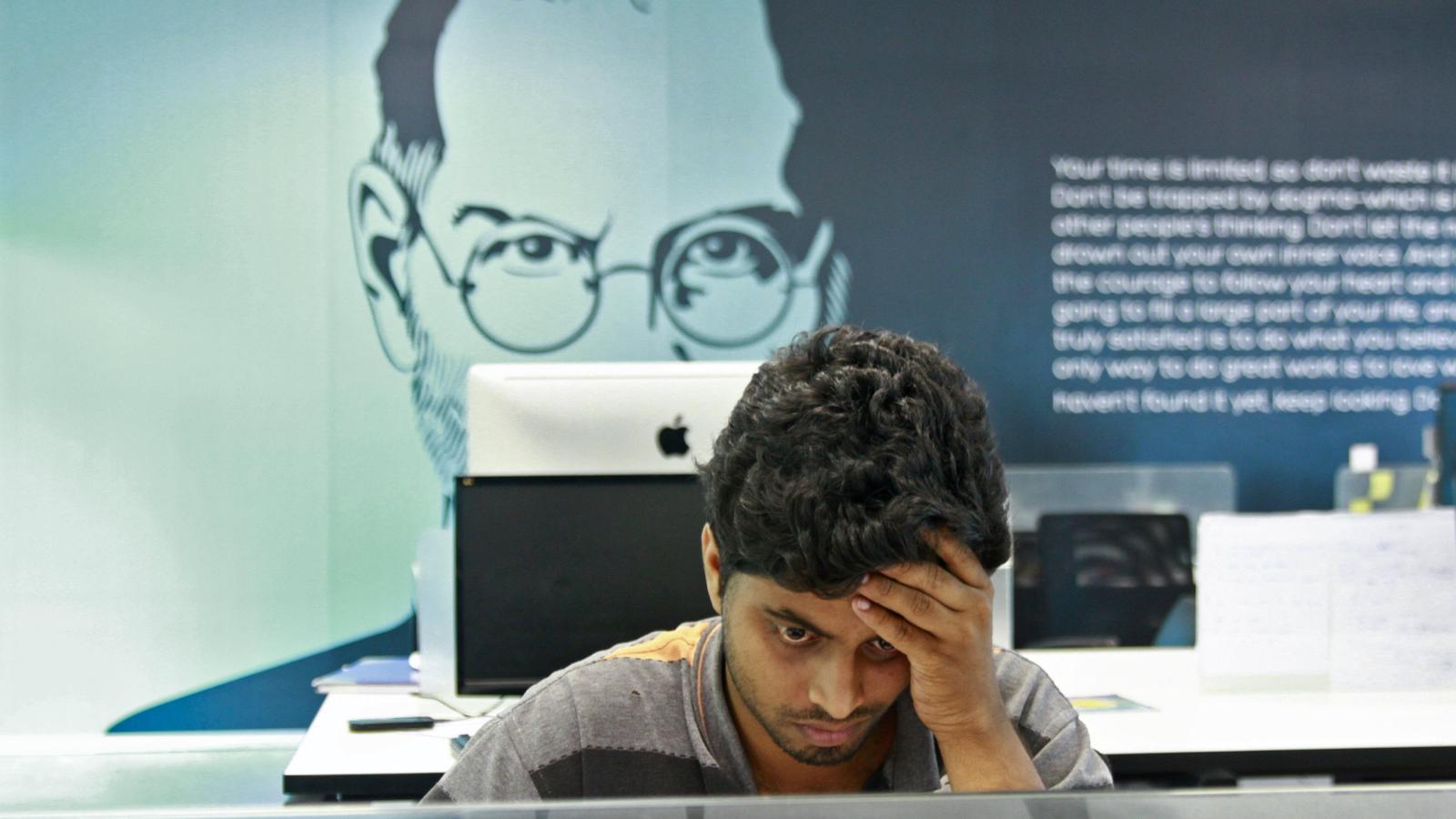 ЧЕРВИВЫЙ APPLE: Силиконовая долина на протяжении десятилетий боготворила Стива Джобса и заплатила за это