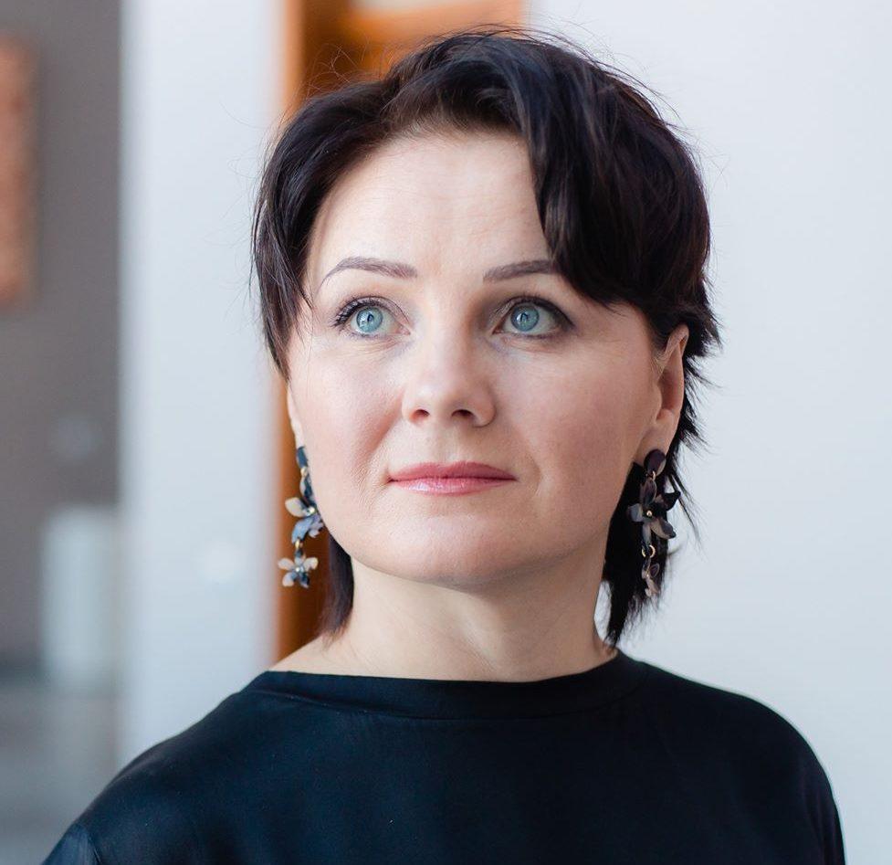 ДОВЕРЯЙ И ДОВЕРЯЙ: коуч Наталья Кадя о том, как коммуникабельность и гормоны могут сделать вашу команду счастливой