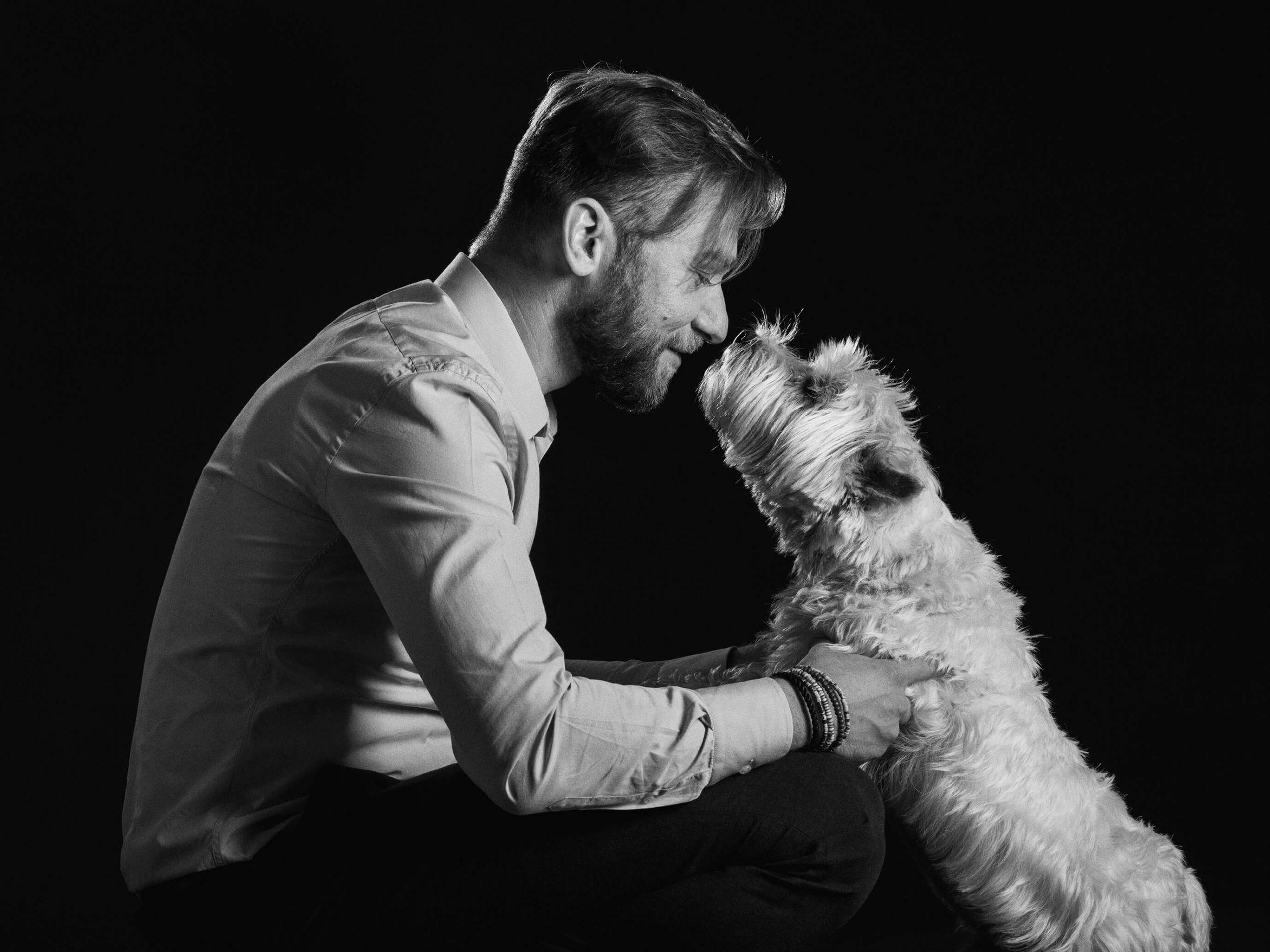 """ЖИВОТНАЯ СТРАСТЬ: Ростислав Вовк из компании """"Кормотех"""" о том, как делать бизнес на животных, но оставаться человеком"""