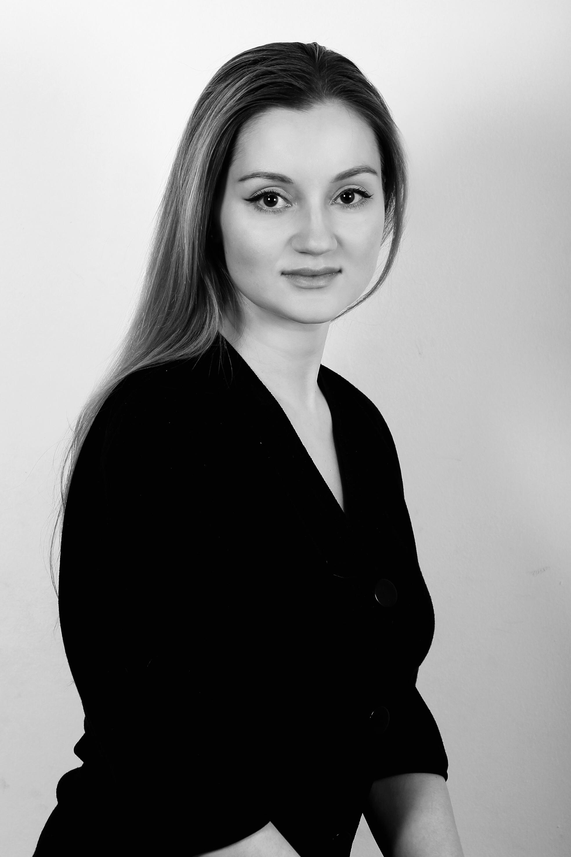 ВЕРХУШКА ПИРАМИДЫ: Ольга Узлова, тренер Jansen Capital Management, о том, как искусство работает на наш эмоциональный интеллект