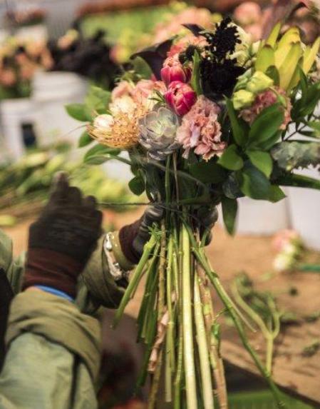 РАСЦВЕТ БИЗНЕСА: как с 1 в кармане построить цветочную империю на  все  млн