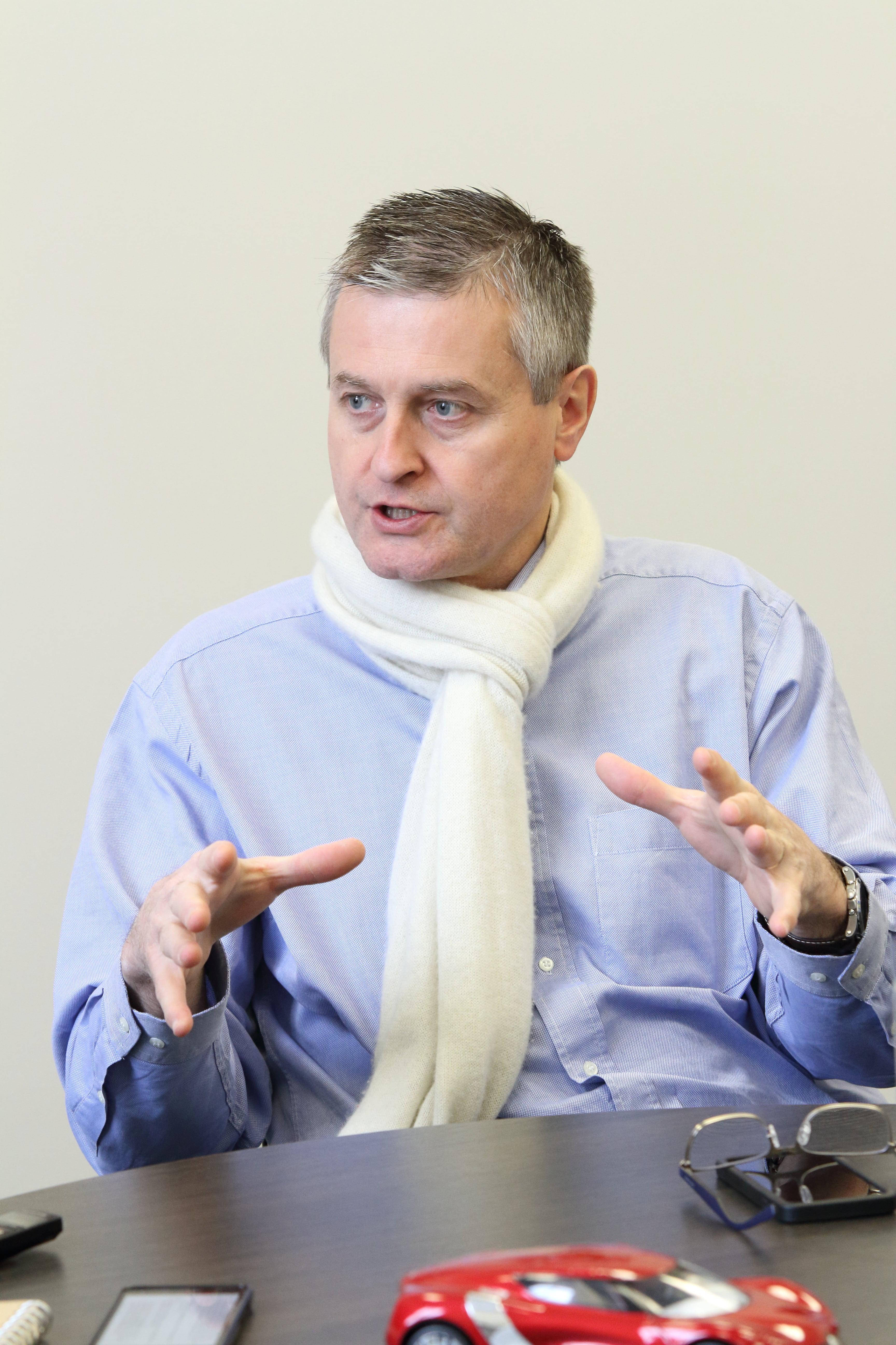РЕНОМЕ RENAULT: как на падающем рынке нарастить свои продажи? Правила выживания на украинском рынке от французского бренда