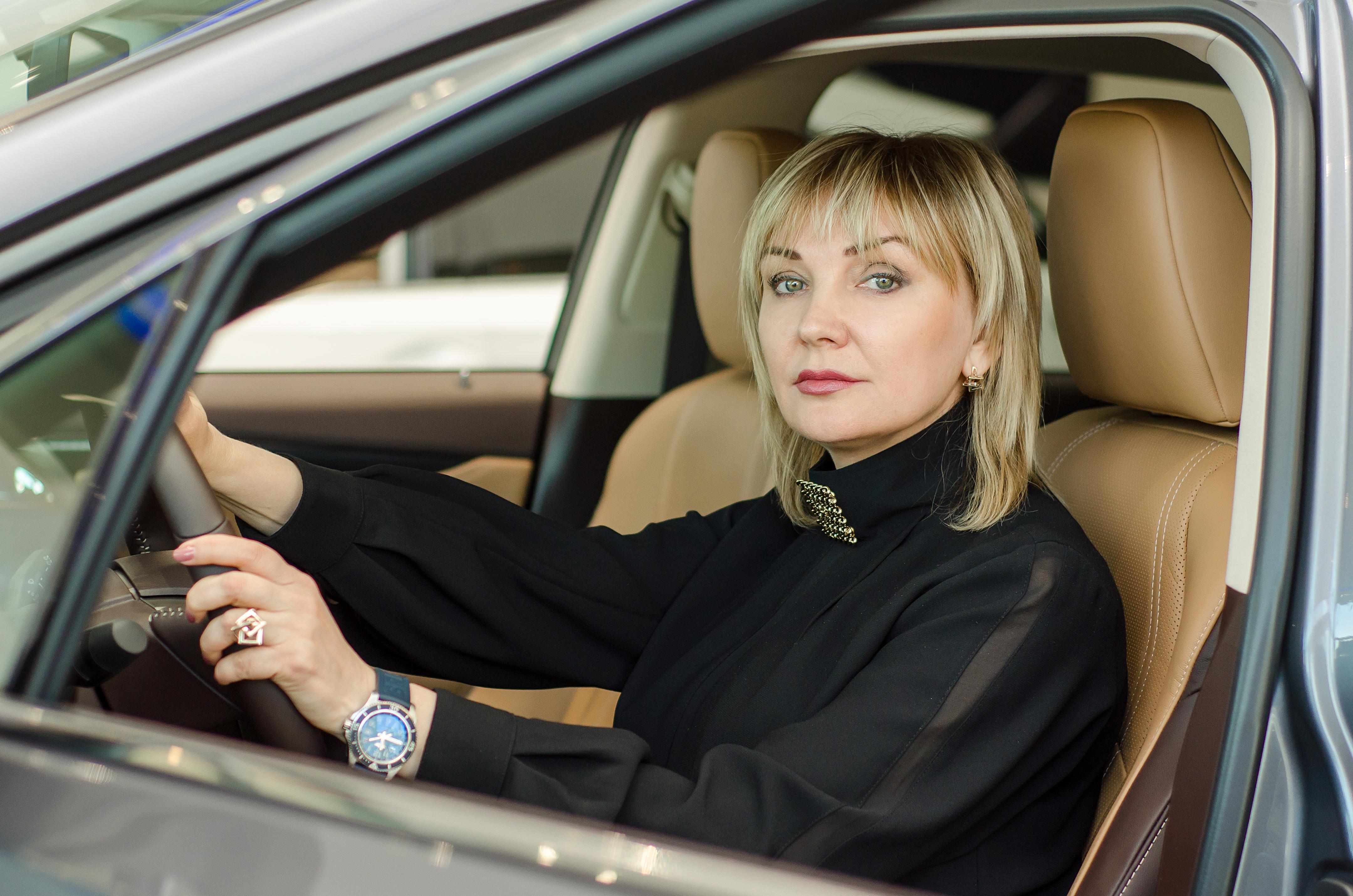ЛЮКС LEXUS'А: главы дилерских центров  Lexus Алла Сушина и Андрей Мирошниченко о том, как корпоративная культура помогает продавать машины