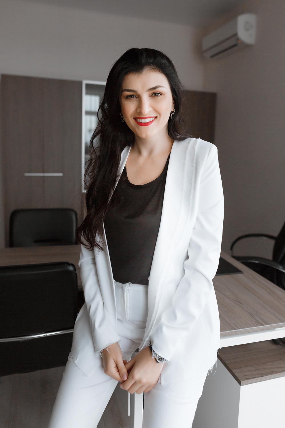 ОБЩЕСТВЕННЫЙ СТРОЙ: строитель Виктория Галицкая о душевном городе, статуе любви и о том, почему в Дубае на стройках не работают местные