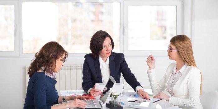 РАБОТА И ВОЛКИ: 4 признака, что ваш работодатель не планирует вас повышать