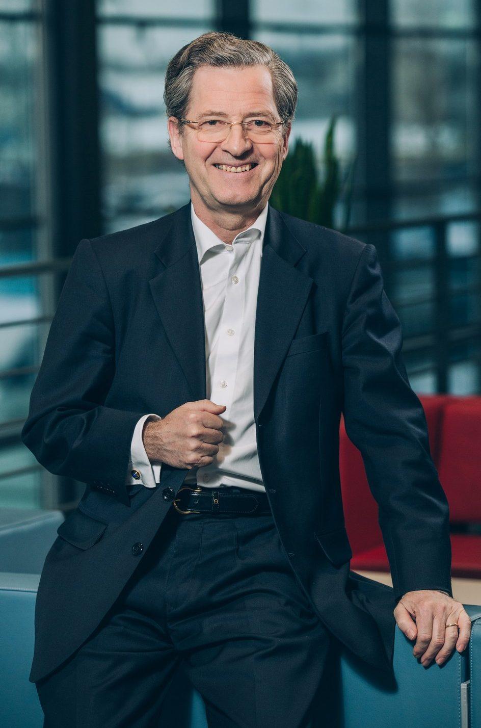 ЗАГЛЯНУТЬ ЗА ГОРИЗОНТ: Хансъюрген Оверштольц из Bosch Group о новых временах для лидеров