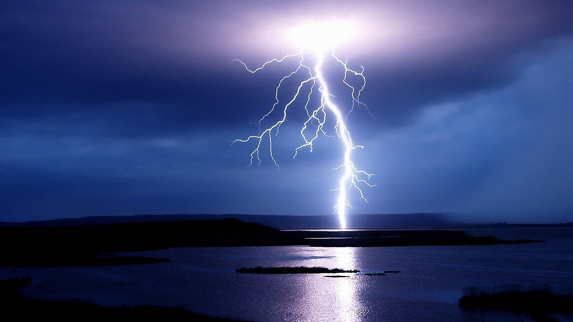 НАУЧНЫЙ ИНСАЙТ: система, которая предсказывает молнии
