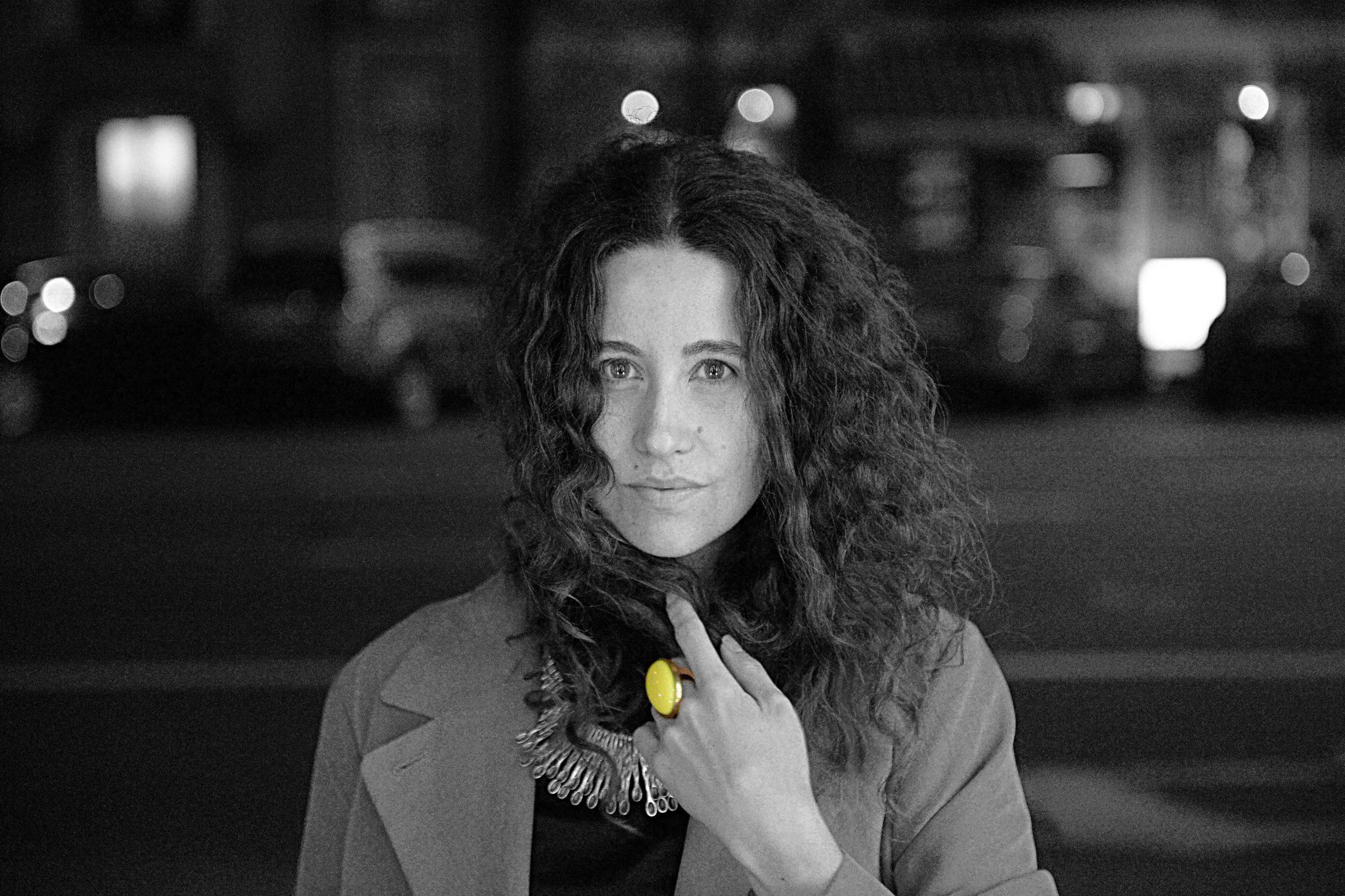 УКРАИНА-ЗАРИСОВКИ: Анна Ставиченко, музыкальный критик из Киева, о «профессиональных ушах», стоячих овациях, цветке сквозь асфальт и проекте «Оперный салон»