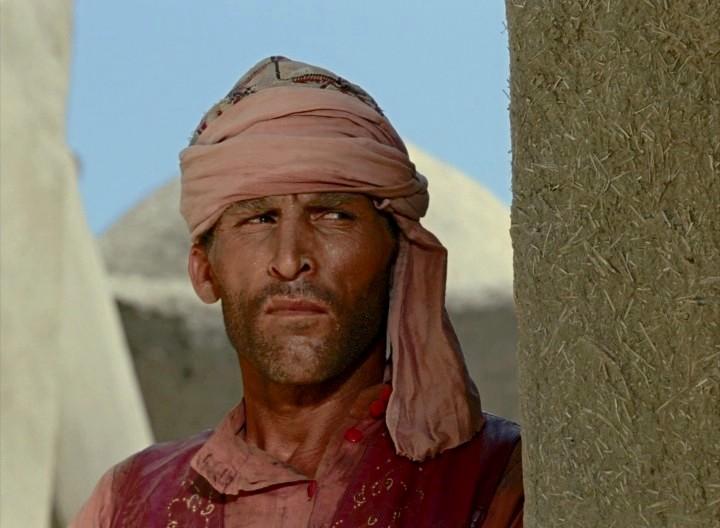НЕТРИВИАЛЬНОЕ РЕШЕНИЕ:  на съёмках фильма «Белое солнце пустыни» пропадает ценный реквизит. Катастрофа - что делать?