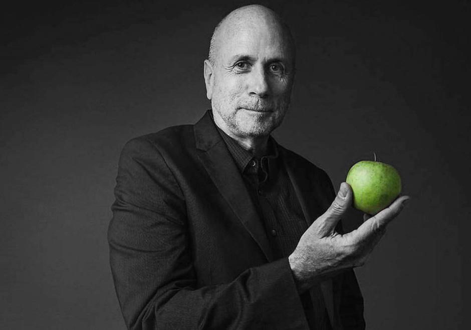 СИЛА ВИРТУОЗНОЙ ПРОСТОТЫ: как Кен Сегалл в команде Стива Джобса создавал главный феномен Apple