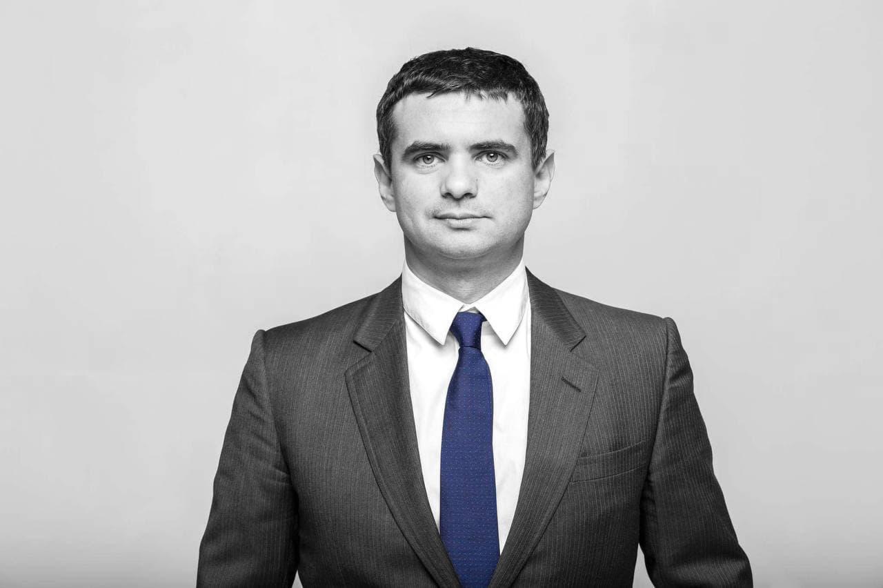УХОДЯЩАЯ ЭПОХА. ПРОЕДАНИЕ ИЛИ РАЗВИТОЕ БУДУЩЕЕ: что выберет Украина?