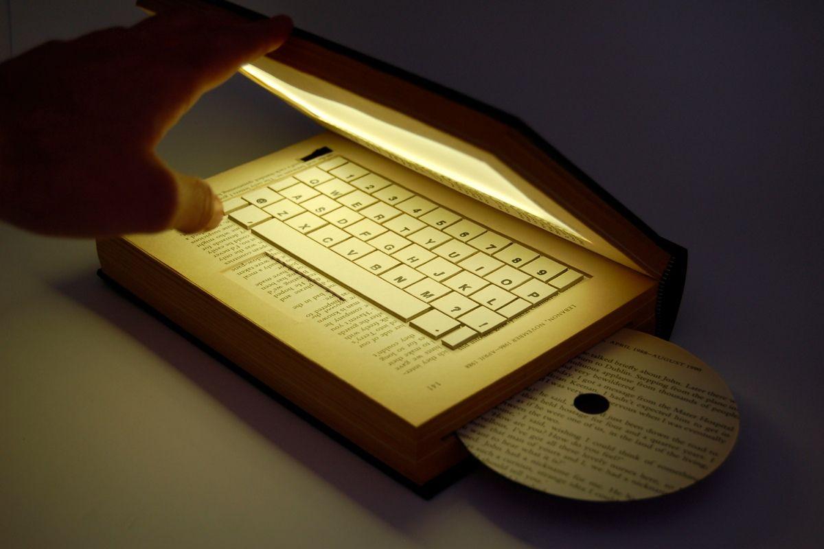 «Я уверен: книгу ничто не заменит в будущем, так же как ничто не могло заменить её в прошлом», - Айзек Азимов
