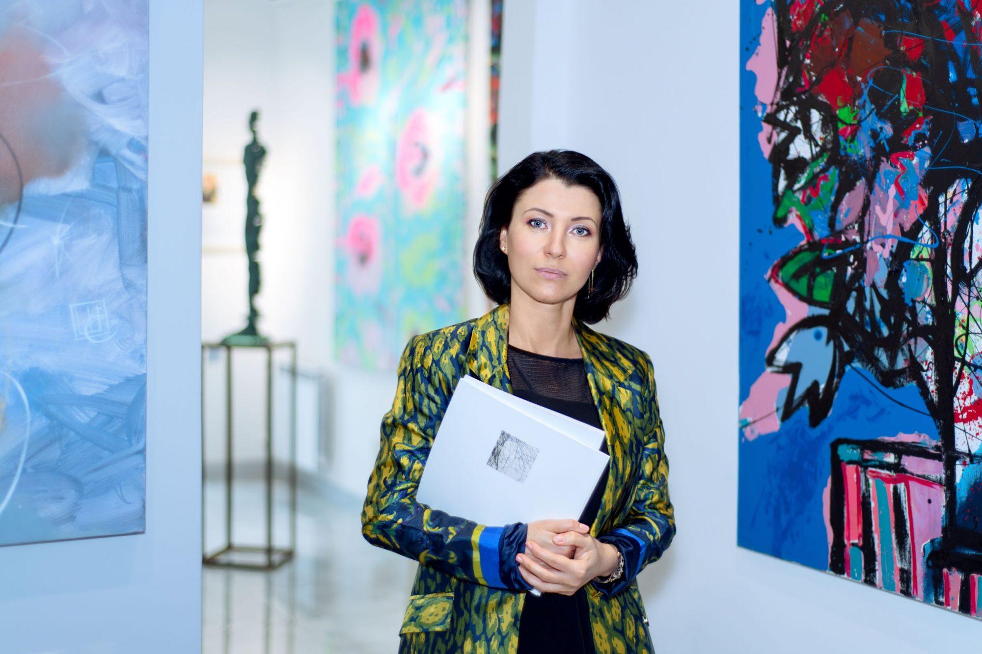 «Приобретая предметы искусства, мы даем шанс на жизнь и развитие культуры в Украине», - галеристка Виктория Кирисенко