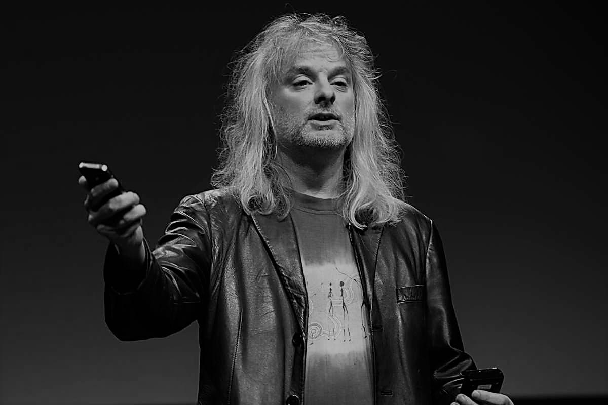 НОВАЯ МИРОВАЯ ФИЛОСОФИЯ: Дэвид Чалмерс, Австралия. Панпсихизм и основные законы сознания