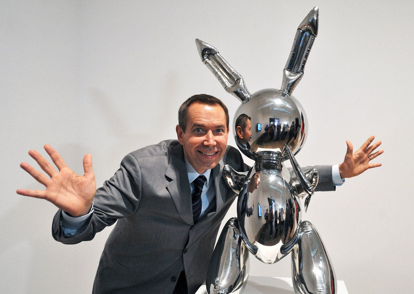 JEFF KOONS: the three whales of art