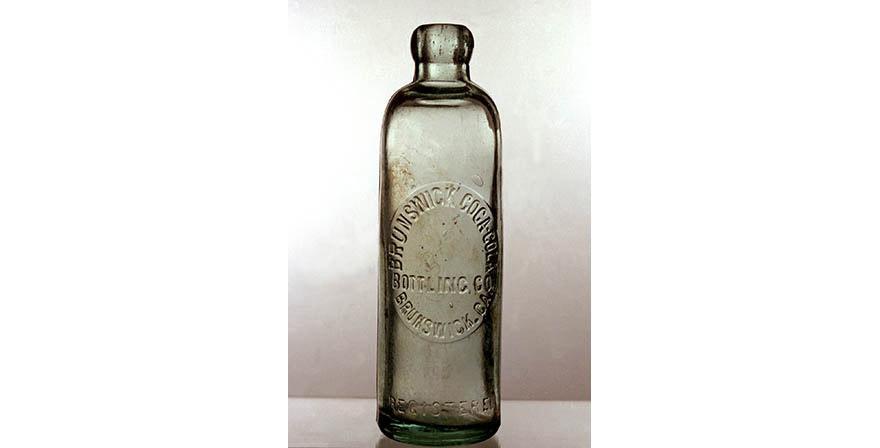 НЕТРИВИАЛЬНОЕ РЕШЕНИЕ: Как красиво применить старую бутылку?