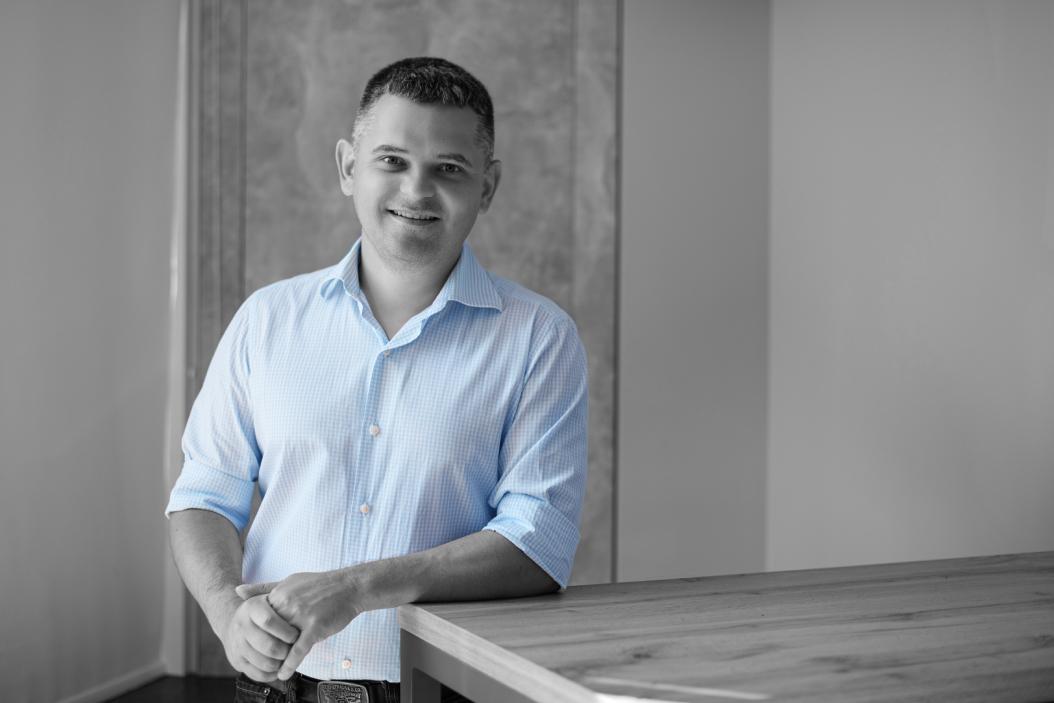 «Нужно понимать, что при В2В ты продаешь не человеку, а бизнесу», — Влад Воскресенский, CEO и Co-founder платформы для продаж Revenue Grid